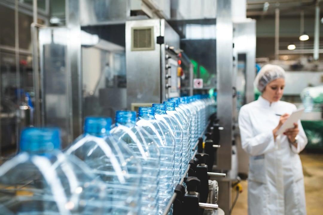 Adiabatic cooling in the plastics industry
