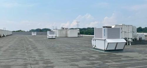 Adiabatic cooling & heating for industrial buildings