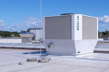 3 - Eine der vier IntrCooll Kühleinheiten, vom Hersteller OXYCOM, mit denen 14.000m³h gekühlte Frischluft in die Halle einbracht wird