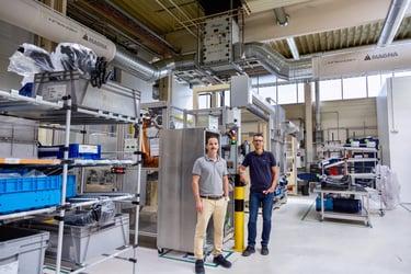 6-Manuel Lackner (Health, Safety & Environment) und Stefan Filzmoser (Sicherheitsfachkraft) freuen sich über die verbesserten Arbe