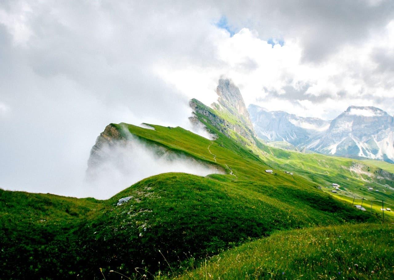 Green mountain dew header visual
